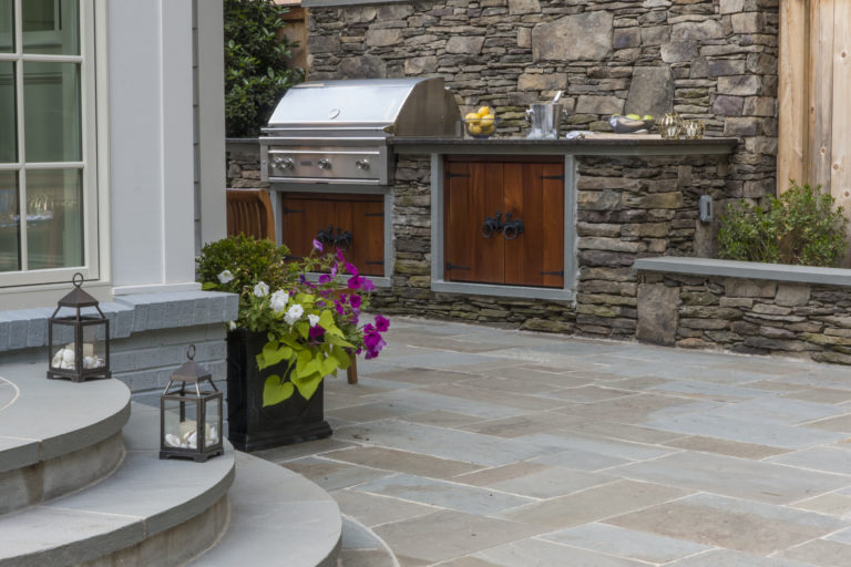 Outdoor kitchen, grill, outdoor dining in Northern VA, MD, & DC