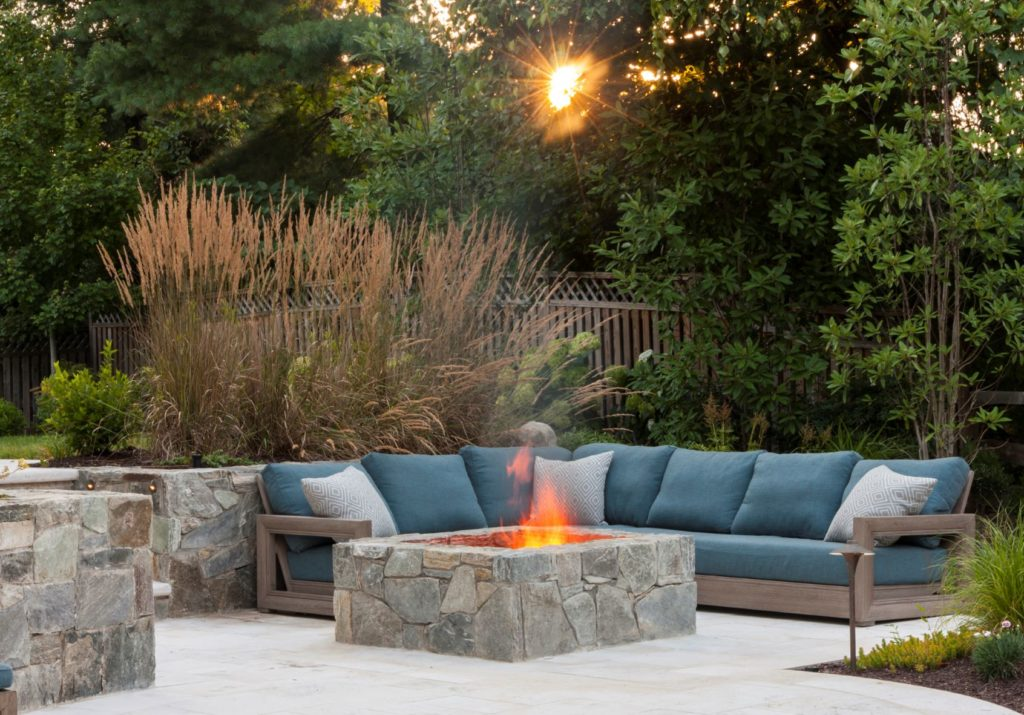 outdoor patio design and landscaping